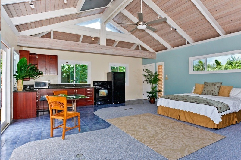 Studio Suite With King Bed At Country Livin An Oahu Vacation Rental