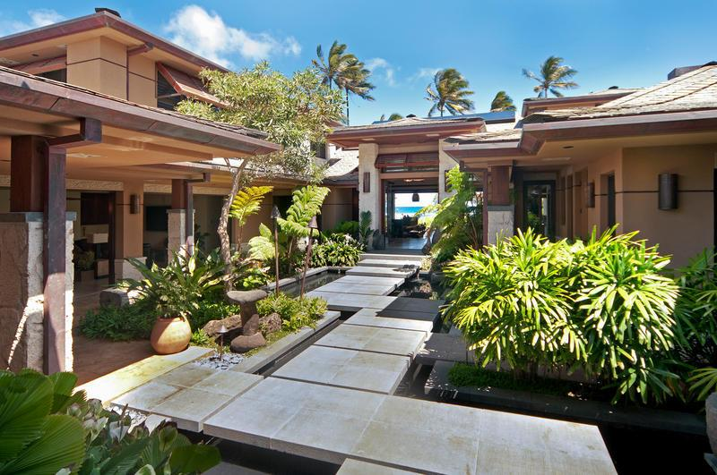 KAHALA GLAMOUR - 7 Bedroom 8.5 Bath Oahu Ocean Front with Pool